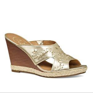 Jack Rogers Shoes - Jack Rogers size 9.5 gold leather sandal
